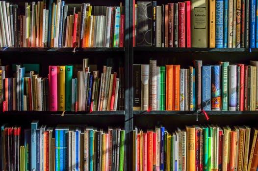FRM备考必备丨成为金融圈的巴菲特,从这10本书开始